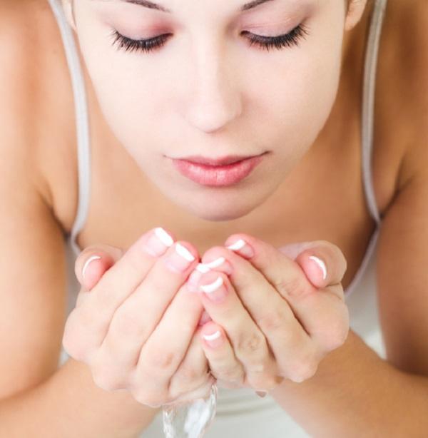 La importancia de una buena limpieza facial-miraur-dermocosmetics